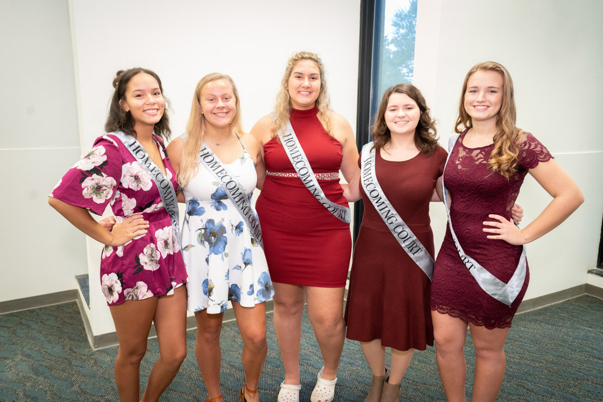 2018-19 Homecoming Court 4