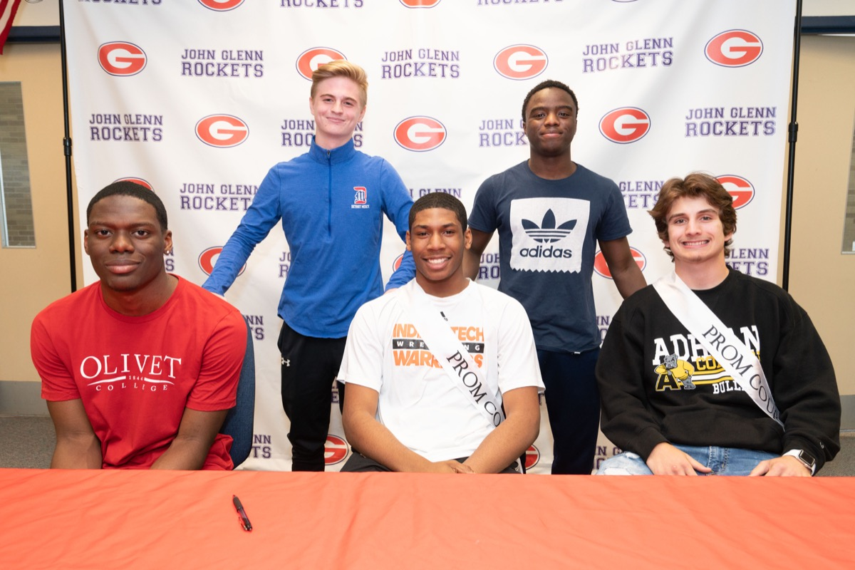 2019 JGHS Athletic Signing Day group shot 1